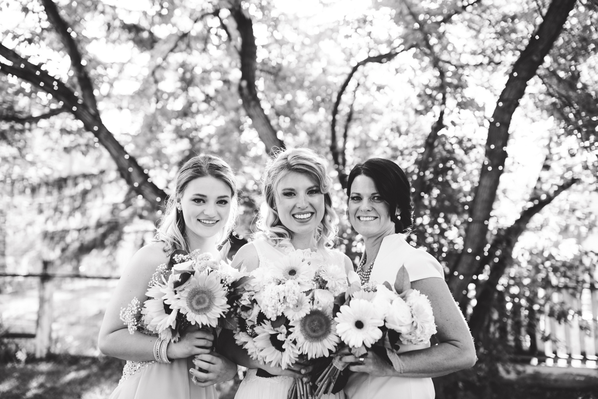 NordWeddings Missoula Montana Wedding Photography Sister and Friend